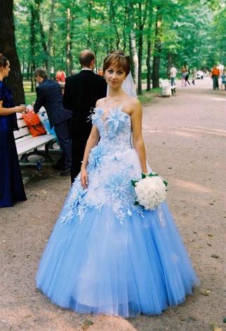 Бело синее платье свадебное