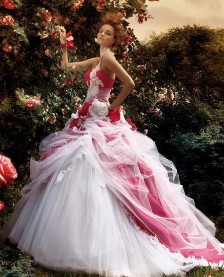 Платье невесты в красно белом стиле фото