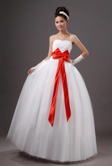 Свадебное бело-красное платье