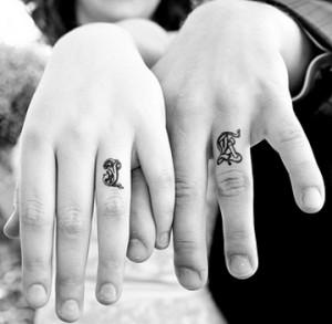 кольца татуировки