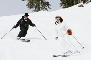 зимняя свадьба на лыжах