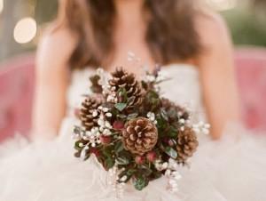 свадебный букет с шишками