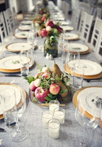 свадебный стол с яблоками