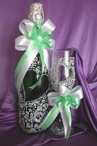 Украсить бутылку шампанского на свадьбу лентами своими