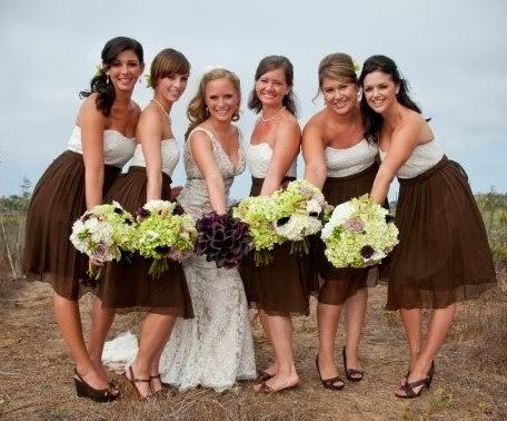Невеста в шоколадном платье