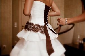 бело-коричневое свадебное платье