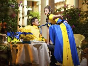 свадьба в жёлто-синем цвете