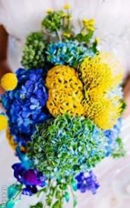 жёлто-синий свадебный букет