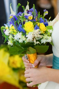 сине-желтый свадебный букет