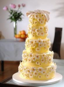 свадебный торт с ромашками
