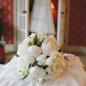 свадебный букет с пионами