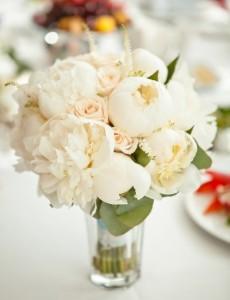 белые цветы на свадьбе