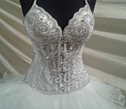 Фото свадебного платья в камнях