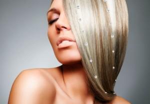 стразы на волосах